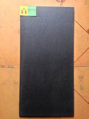 Gạch rẻ, gach re, gạch men giá rẻ - Gạch rẻ.com - Mã:đá 30x60 nhám  thật 105n/m2