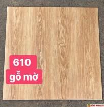 Gạch 60x60 lát nền phòng ngủ gỗ mờ