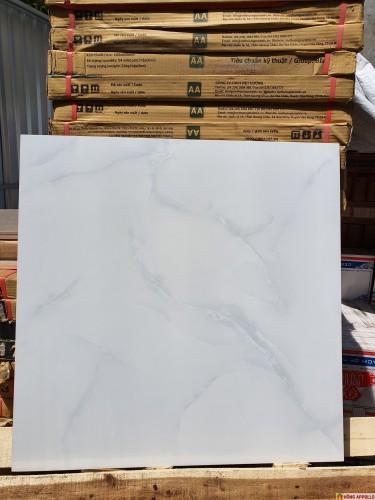mẫu gạch lát nền phòng khách 2020, 60x60 đá bóng kiếng giảm giá